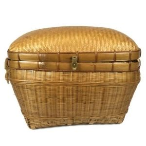 Other - Large Wicker Picnic Basket Dome Lid Woven